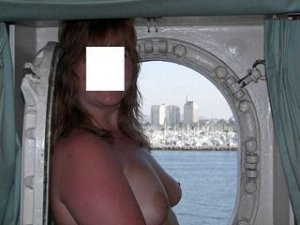 Manoela escorts Dearborn Heights, MI